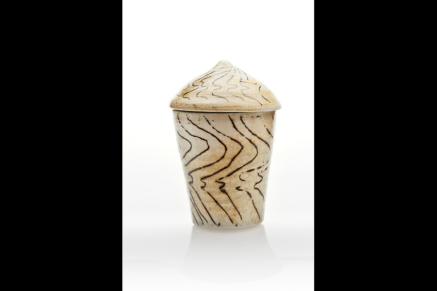 Keramiker Gerda Østergaard, ceramicartist.dk